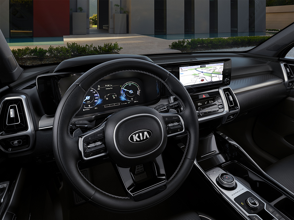 Kia Sorento Plug-In Hybrid twin displays